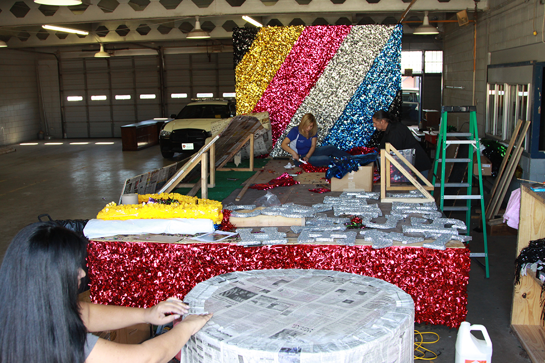20170127 WEB TCF SPEER LIBRARY FLOAT CONSTRUCTION DAY 11 JH 1233